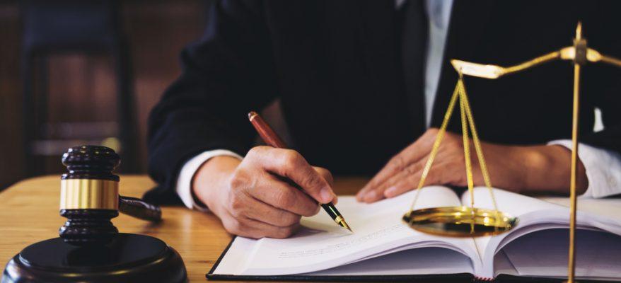 come diventare consulente legale nelle aziende